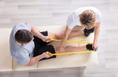 Ćwiczenia terapeutyczne na podwinięte palce stóp